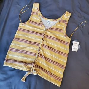 Button front tank NWT